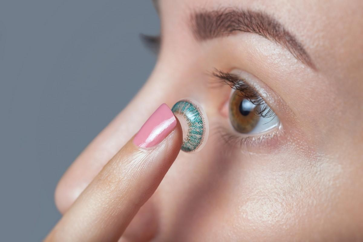Attention, elles peuvent faire perdre la vue — Lentilles colorées