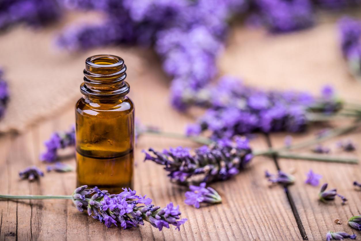 Des huiles essentielles pour se d barrasser des poux sur - Huile essentielle desinfectant linge ...