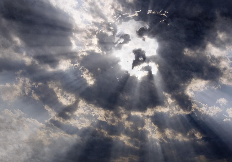 Vous voyez souvent des visages dans les nuages attention medisite - Geloof peinture ...