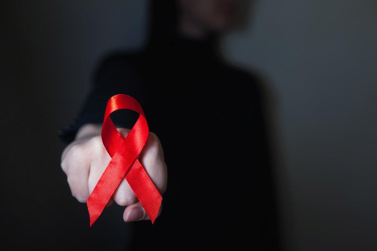 Coronavirus : la lutte contre le Covid-19 a-t-elle retardé celle contre le sida ?