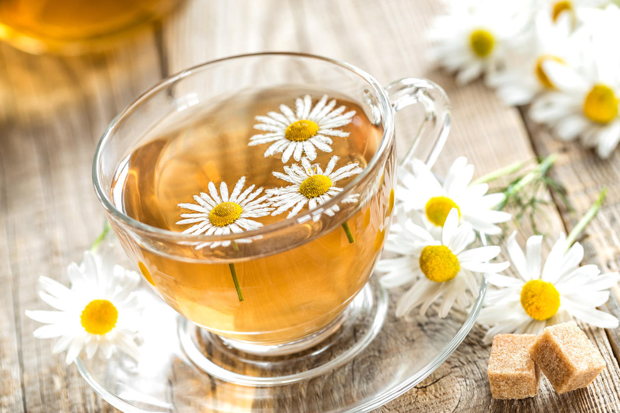 Slimming herbal teas: an infusion of chamomile