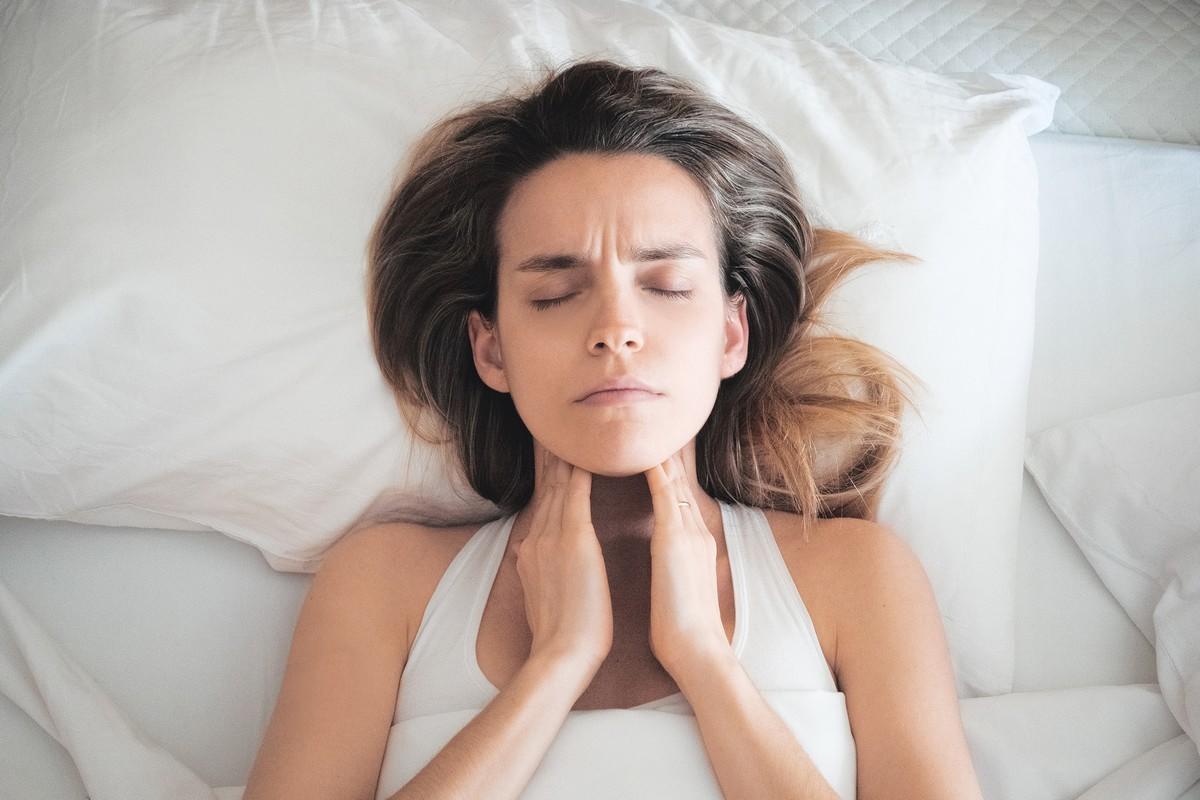 l angine streptocoque 7 maladies que l 39 on peut attraper par la salive medisite. Black Bedroom Furniture Sets. Home Design Ideas