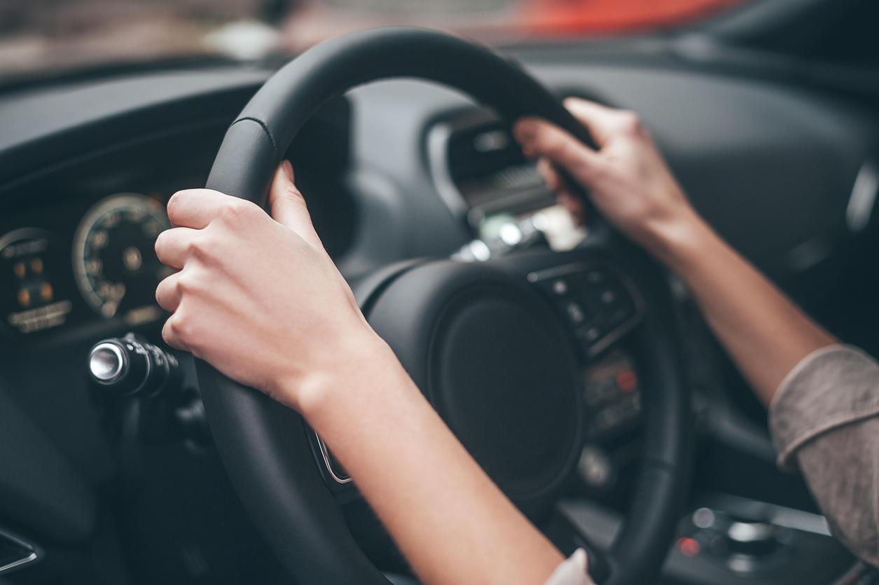 Covid-19 : combien de temps le virus survit-il dans votre voiture ?