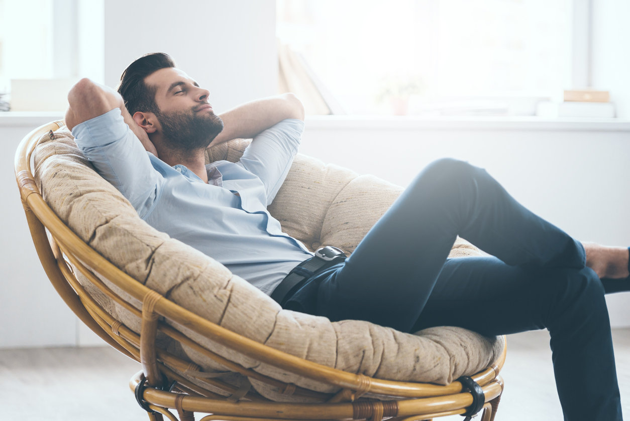 Dormir assis : les graves maladies que vous risquez