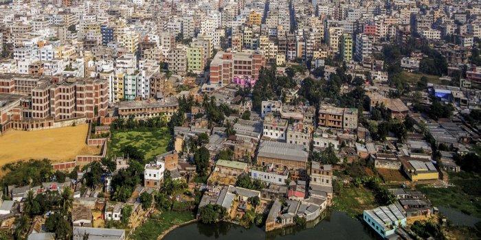 Dhaka (Bangladesh) : des tonnes d'ordures non traitées