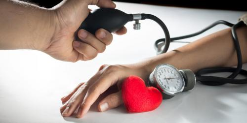 Hypertension artérielle : les risques de complications