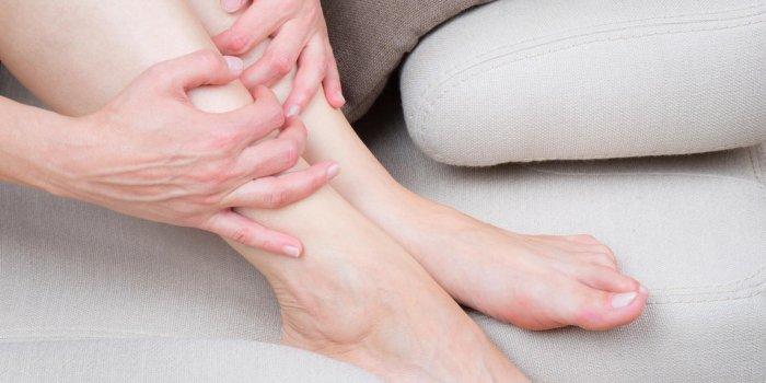 Fourmillements dans les jambes : un signe de manque de fer ?