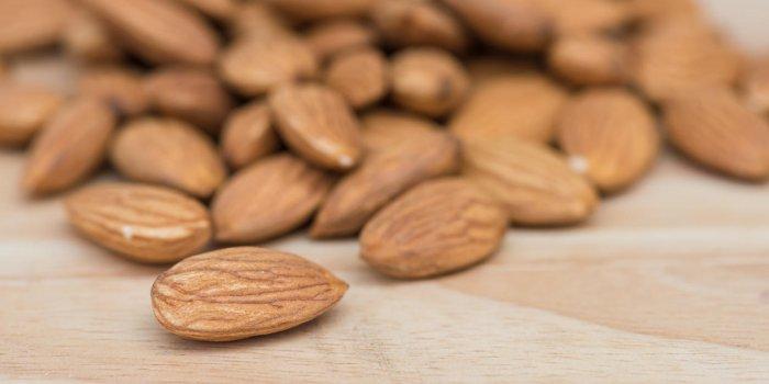 Aliment pour maigrir du ventre : les amandes