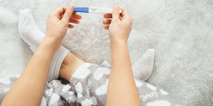 Test de grossesse maison : une faible fiabilité