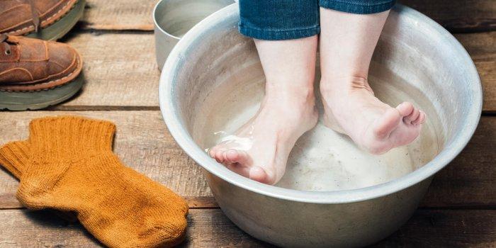 Micosis de los pies: un baño de lejía