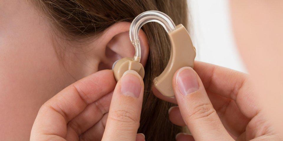 Vous aurez droit à des appareils auditifs sans reste à charge dès ce 1er janvier 2021