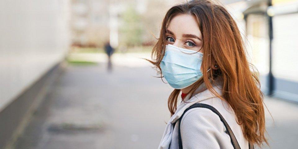 Coronavirus : peut-il survivre dans vos cheveux ?