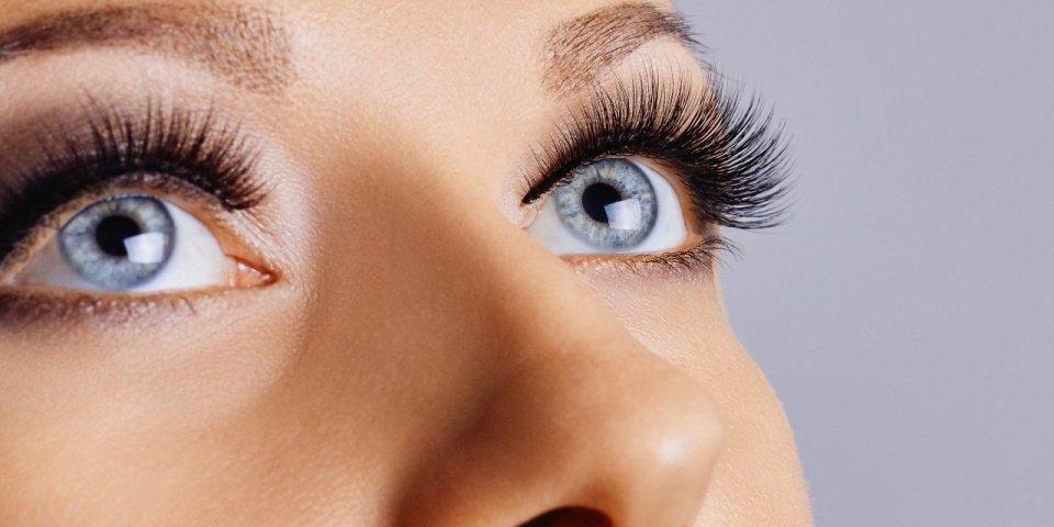 Maquillage : 7 astuces pour agrandir votre regard