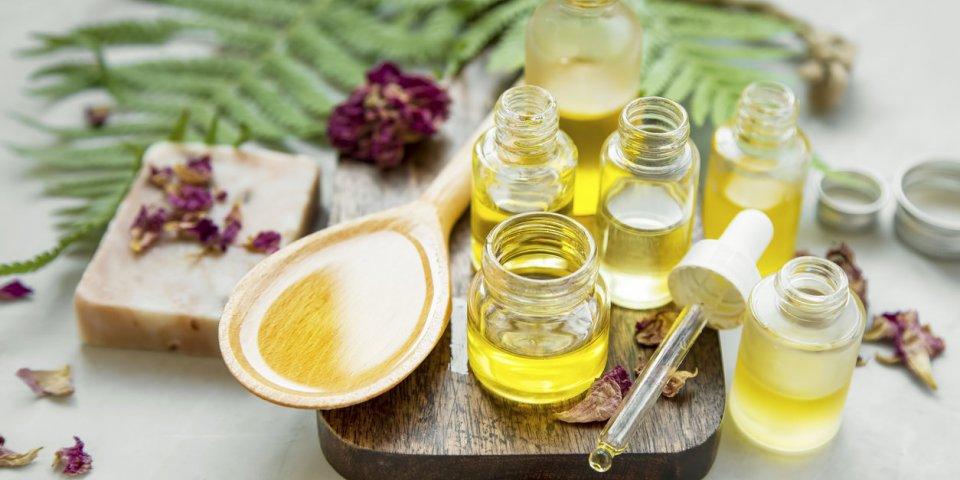 Les huiles essentielles pour assainir votre intérieur