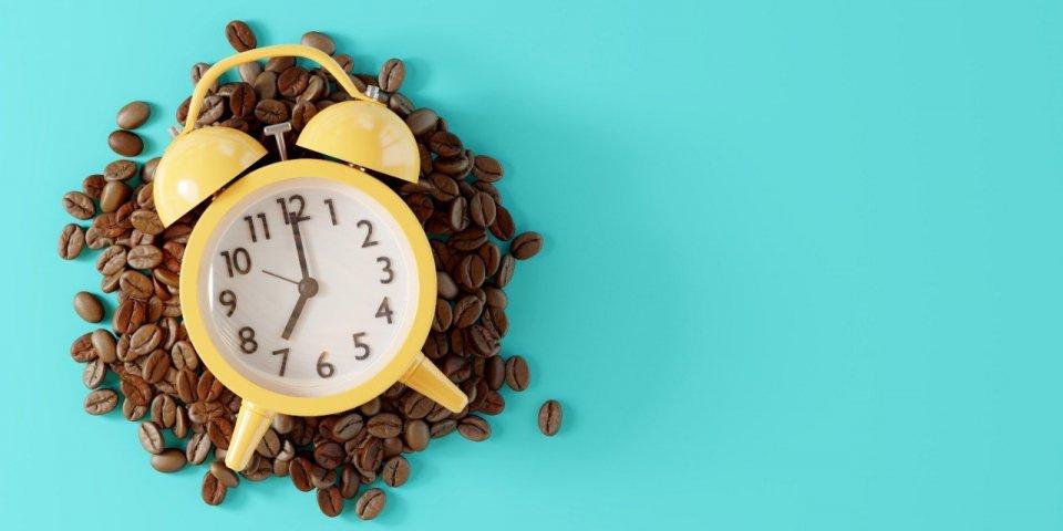 Voici pourquoi vous devriez toujours boire votre café après le petit dej', et non avant