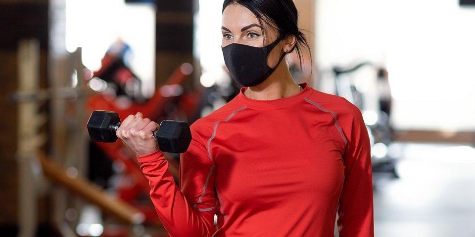 Covid-19 : découvrez le masque de sport que Decathlon va bientôt commercialiser