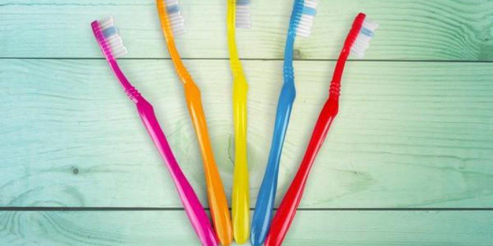 brosse à dents, hygiène dentaire, équipement dentaire