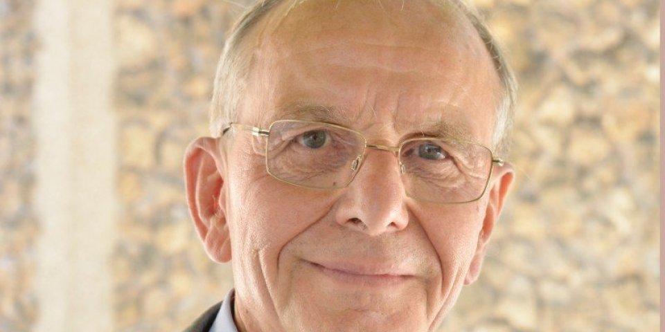 Cancer : le Pr Axel Kahn, président de la Ligue contre le cancer s'exprime sur la maladie qui le ronge