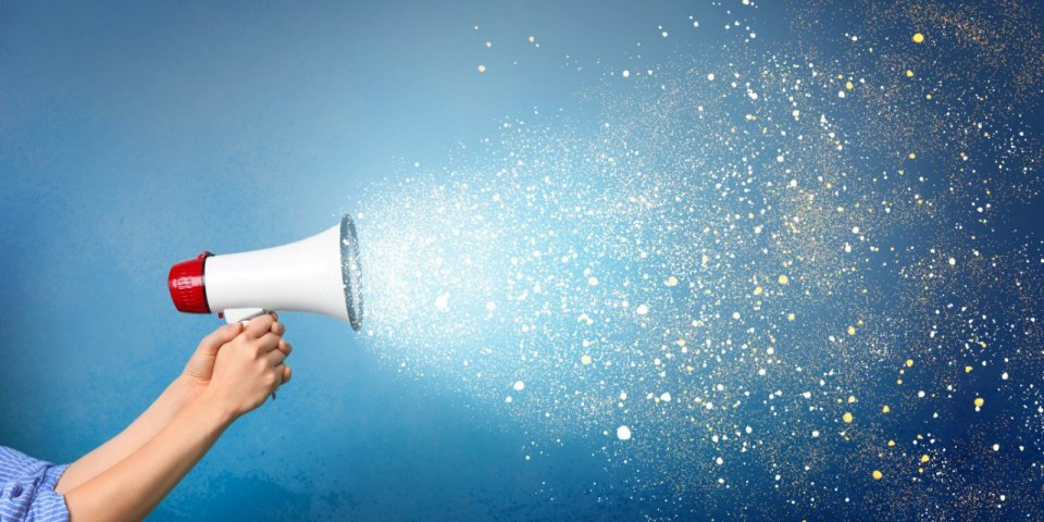 Covid : parler fort peut générer plus de 1000 gouttelettes contaminées par minute