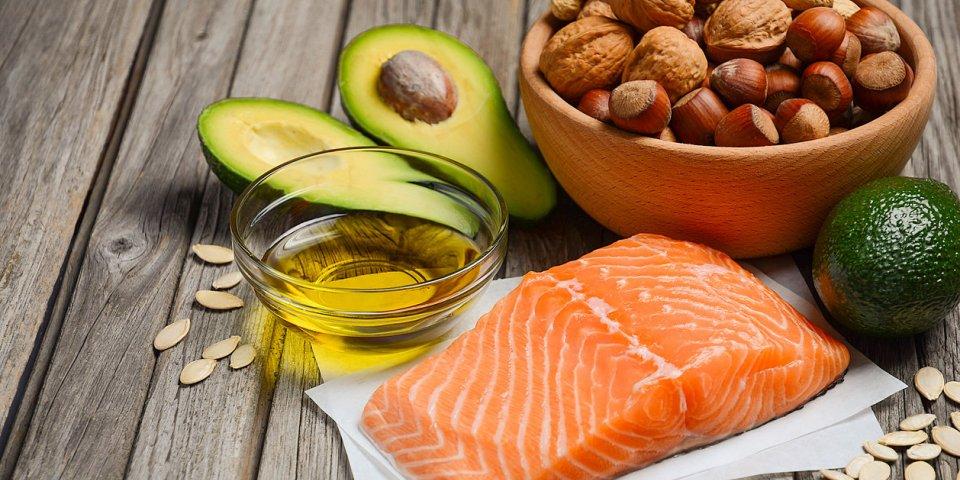 Avocat, chocolat, noix... 5 aliments gras à ne pas supprimer de votre assiette