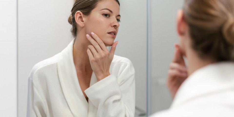 Traiter et prévenir l'acné juvénile : les avancées dermatologiques