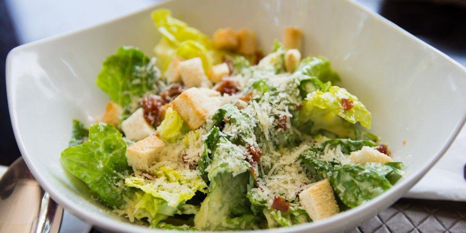 6 salades à bannir au restaurant !