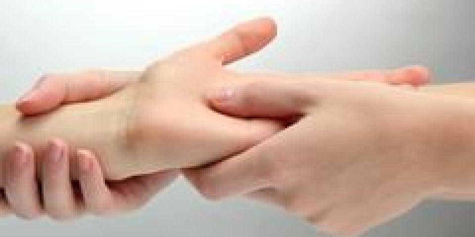 Arthrose de la main : comment soulager les douleurs ?