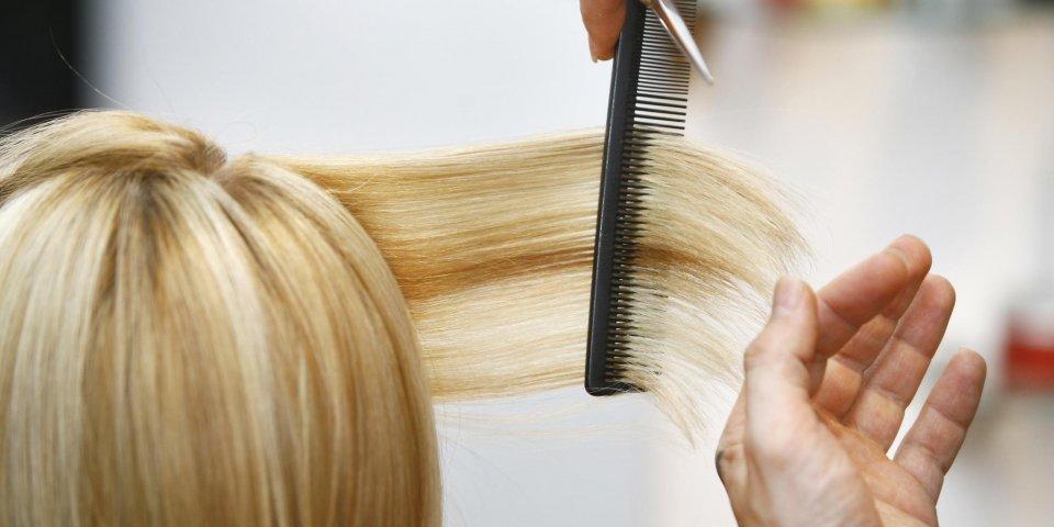 Cheveux : 8 erreurs à éviter !