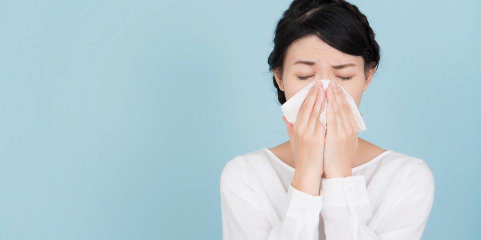 Rhume : quand vous éternuez, vos germes parcourent 2 mètres !