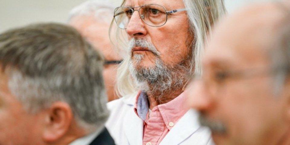 Raphaël Enthoven s'en prend à Didier Raoult :
