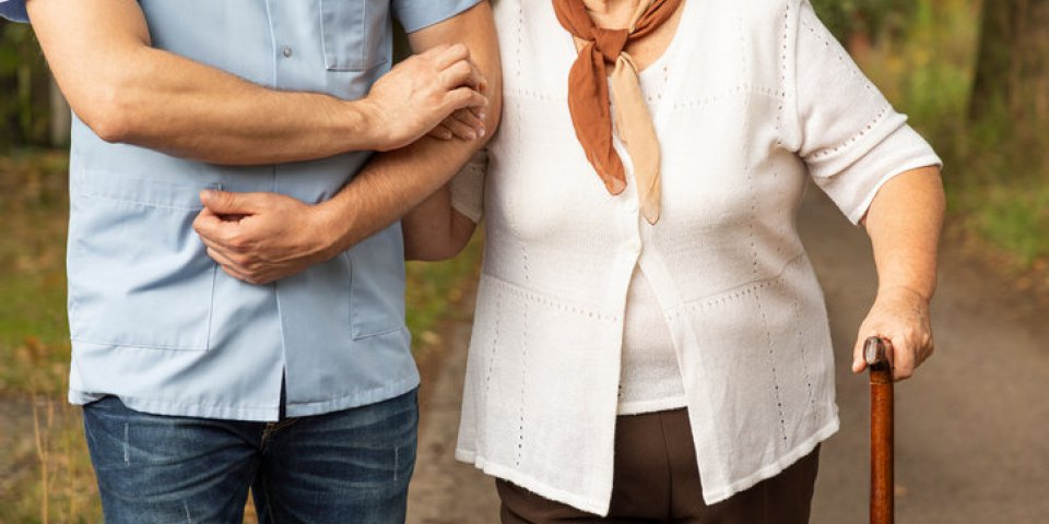 """Alzheimer : témoignage d'un aidant familial : """"il existe des alternatives au placement"""""""