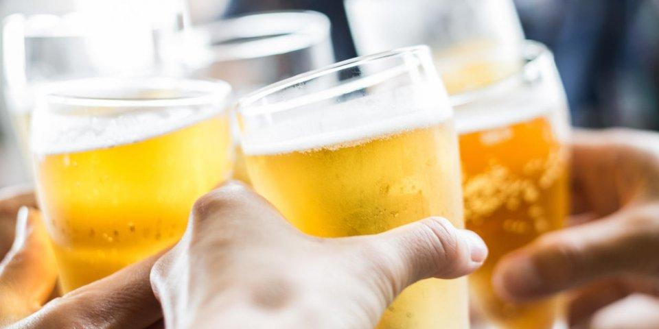 Maladie de Crohn : peut-on boire de l'alcool ?