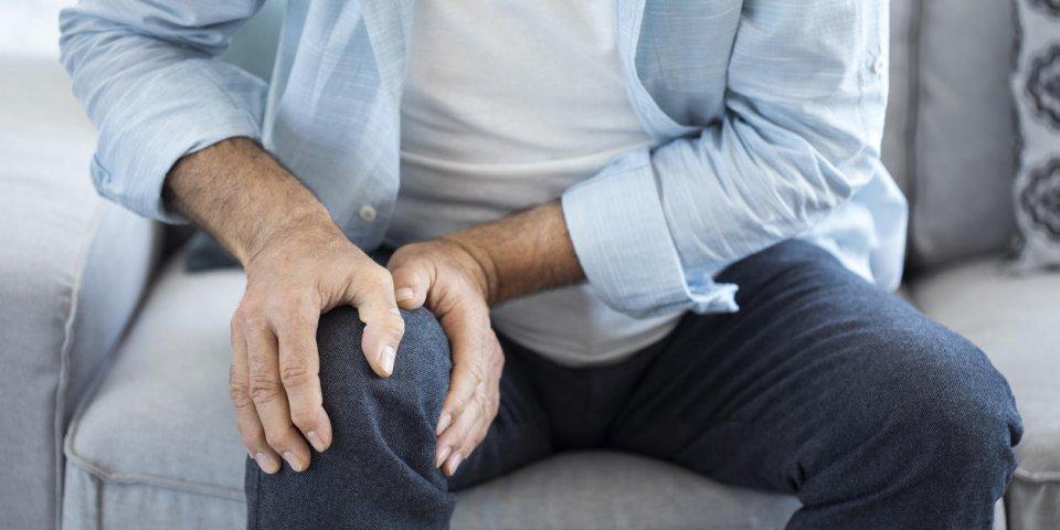 Douleur du genou plié : les principales causes