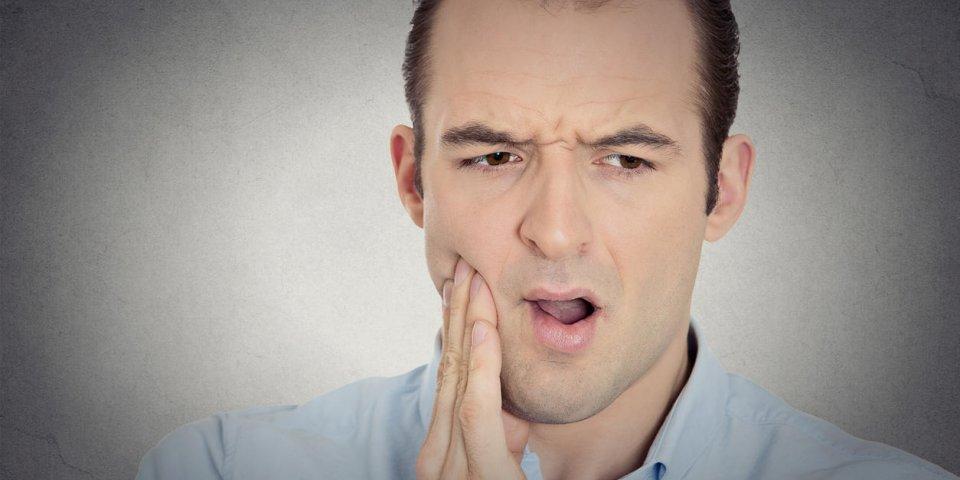 Abcès dentaire: peut-on le percer soi-même?