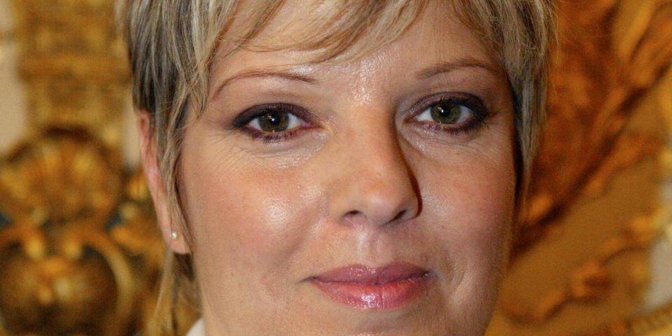 portrait de l'animatrice de télévision laurence boccolini, pris le 16 septembre 2003 au sénat à paris, lors de la cé...