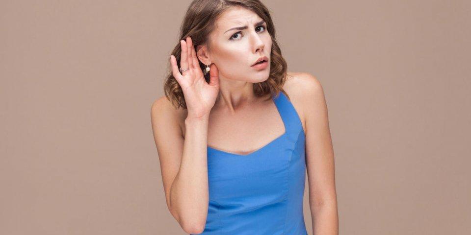 Oreille qui claque ou qui crépite : les différents bruits de l'oreille