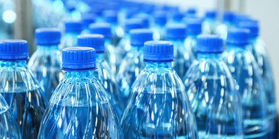 Rappel de bouteilles Cristalline après la découverte de germes en Polynésie