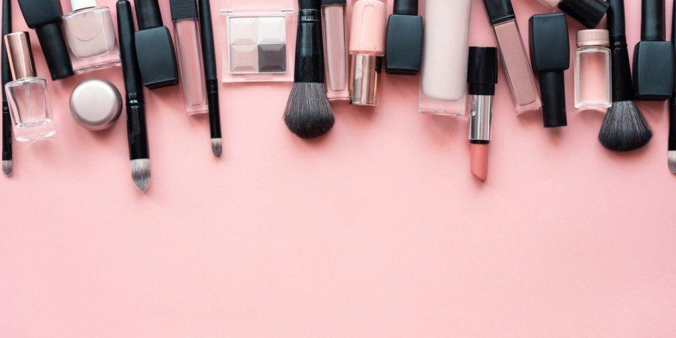 Les maladies que vous pouvez attraper en vous maquillant