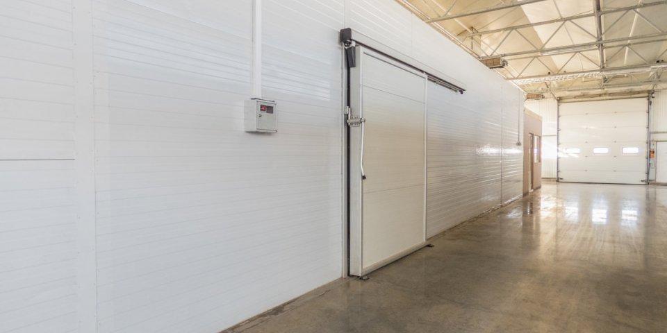 Covid-19 : un entrepôt réfrigéré de Rungis transformé en morgue