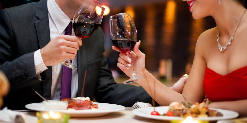 Un verre de vin peut vous rendre plus attrayant
