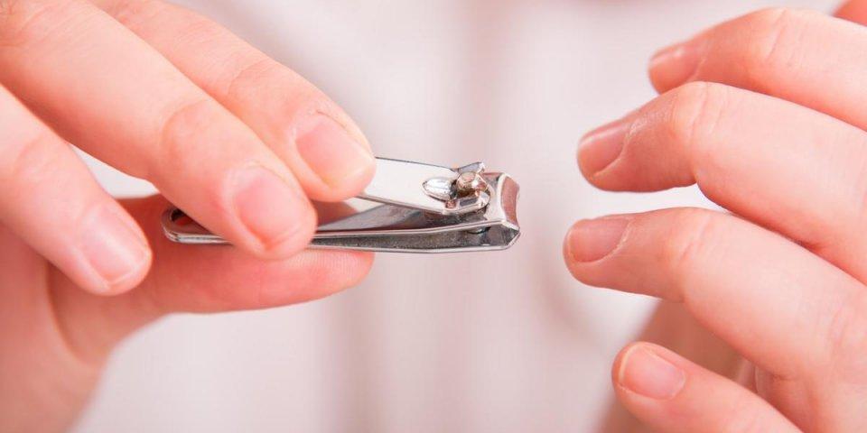 9 erreurs à éviter quand vous coupez vos ongles