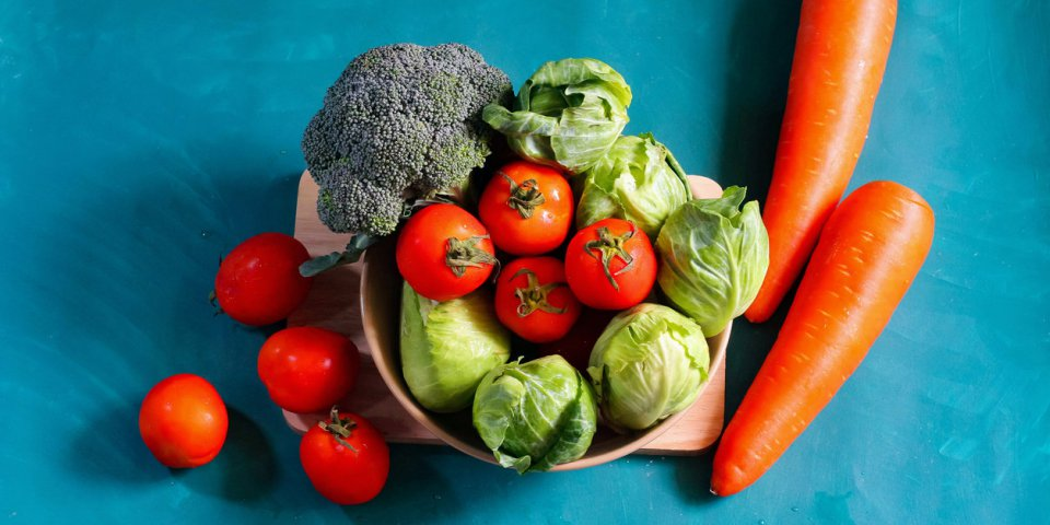 Coronavirus : faut-il laisser tremper ses fruits et légumes dans du vinaigre pour les désinfecter ?