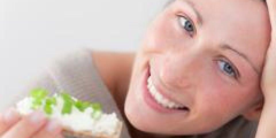 femme mange tartine cancer
