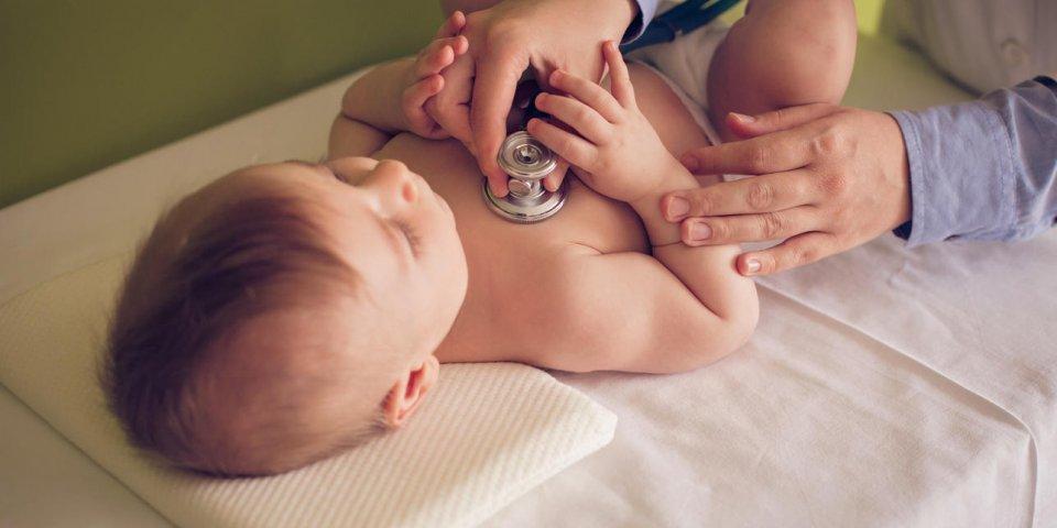 Rhinite du bébé : symptômes et traitements chez le nourrisson
