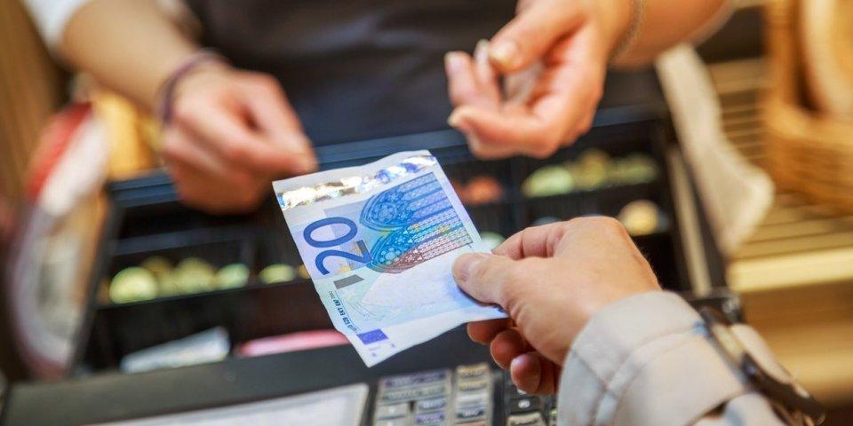Coronavirus : peut-il se transmettre par les billets de banque ?