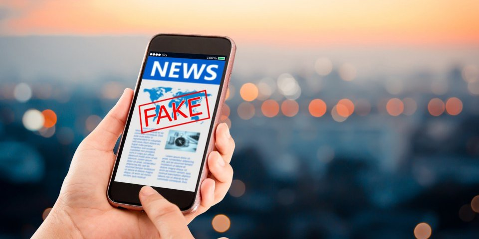 """Facebook : comment repérer les """"fake news"""" santé ?"""