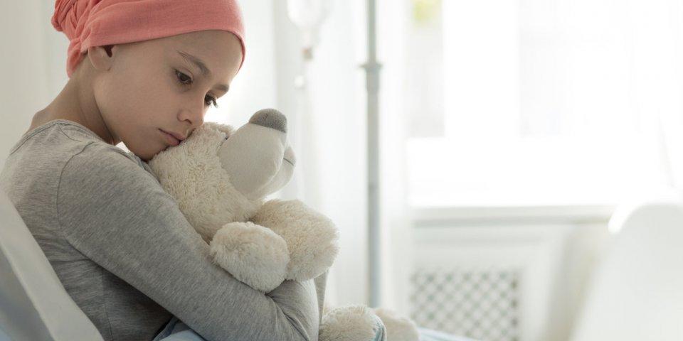 Leucémie : après plus de 90 séances de chimio, un garçon de 4 ans à vaincu la maladie