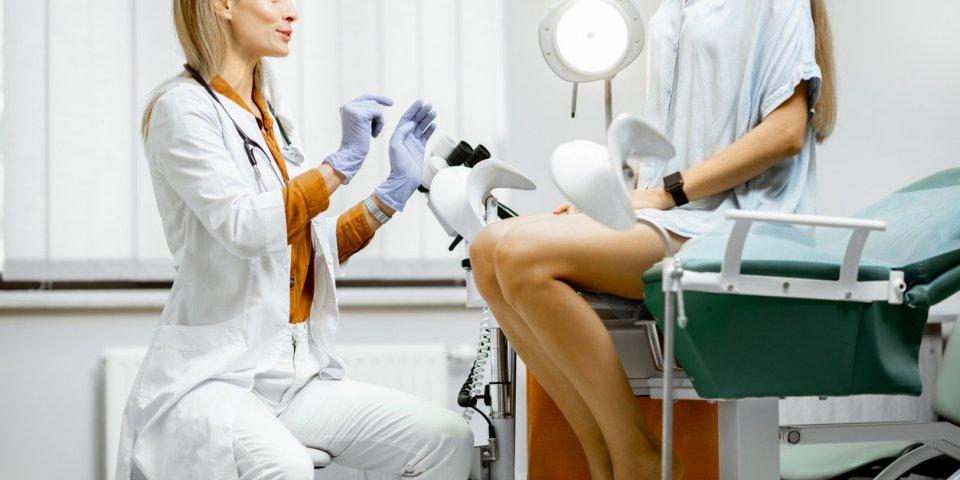 Gynécologie : y-a-t-il un âge où ça ne sert plus à rien de consulter ?